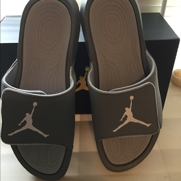 wholesale dealer 872d2 825f6 Nike Jordan slides women's 11 men's 9 new grey NWT
